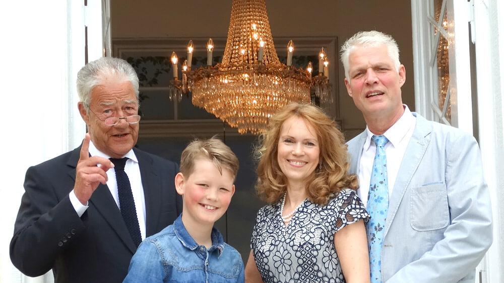 Krönchen Festredner Björn Engholm mit Familie Ganswindt